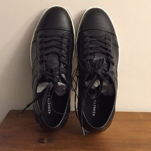 Men's Kenneth Cole Sneaker Size 8.5